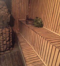 Баня на дровах на берегу реки Сумы
